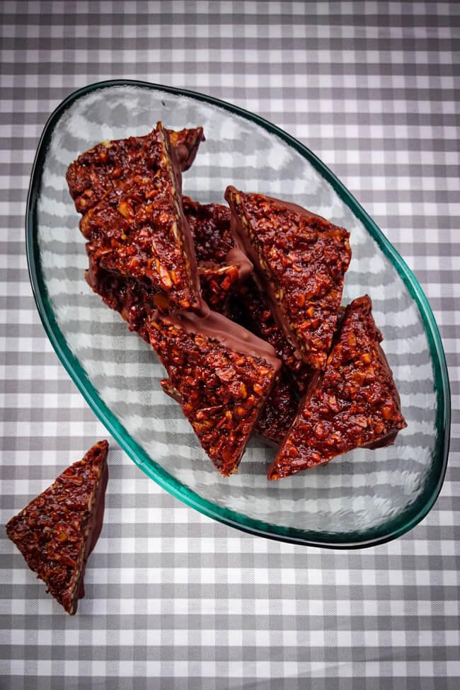 Nussecken mit schokolade mandeln haselnüsse walnüsse