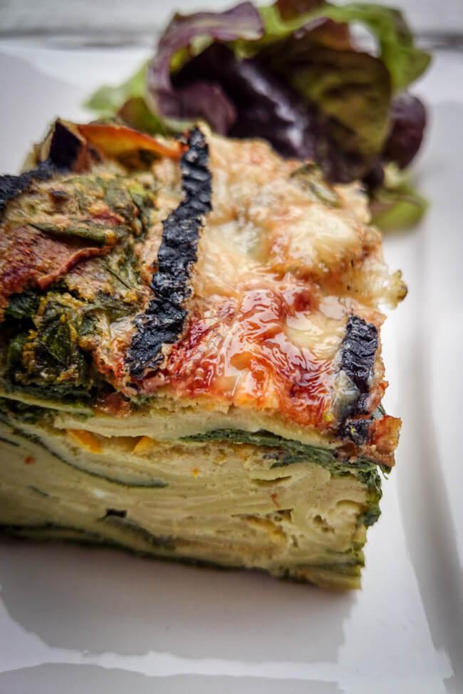 nudelauflauf mit spinat blauschimmel käse salat pasta