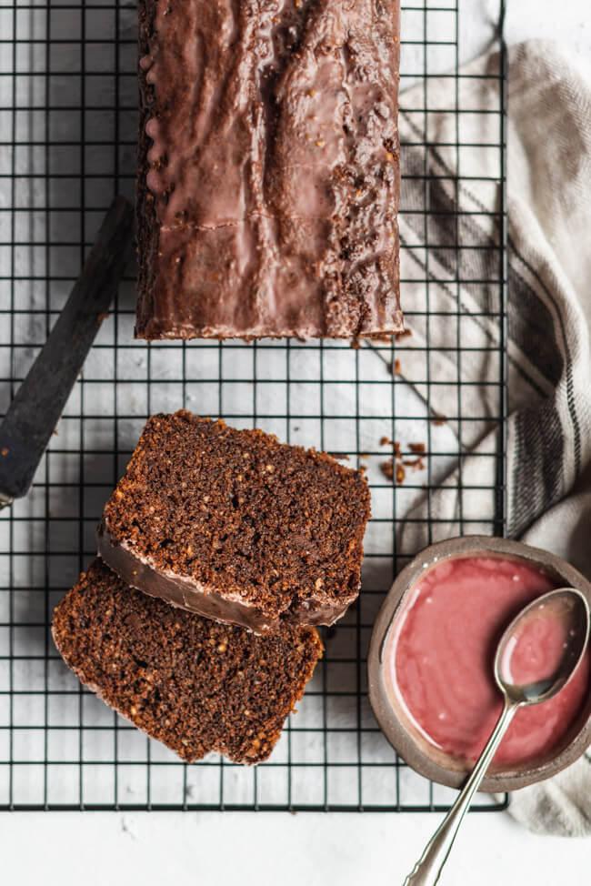 Rotweinkuchen mit Schokolade Haselnüsse Schokokuchen Kuchenklassiker Klassiker Nusskuchen Rührkuchen backen Backanfänger gelingsicher