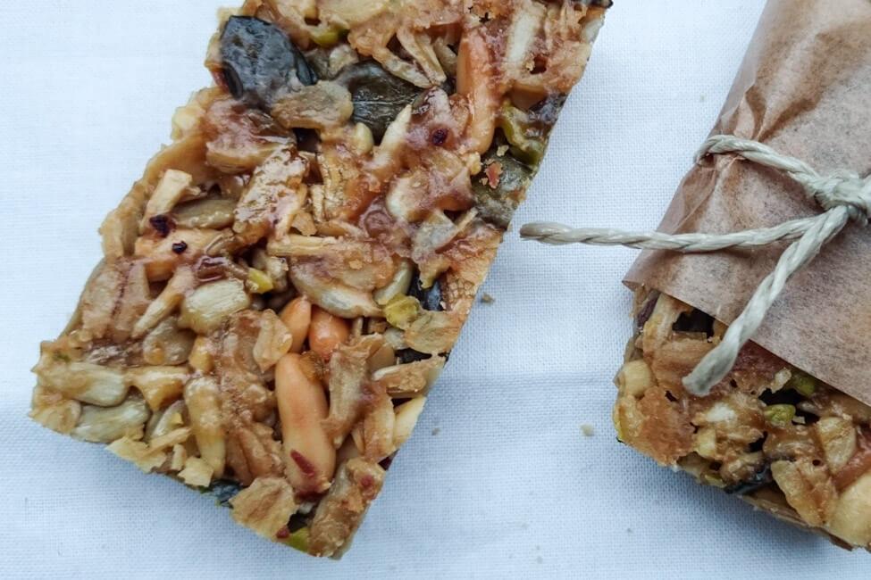 flap jacks müsliriegel selbst machen honig nüsse trockenfrüchte snack schule büro pause mealprep