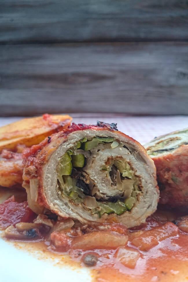 mediterrane putenroulade mit tomatengemüse sauce lowcarb einfach schnell