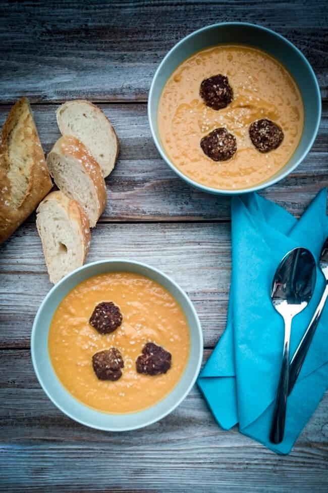möhren ingwer suppe karottensuppe hackbällchen sesam scharf