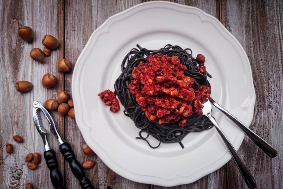 haselnuss bolognese vegan nüsse bolo pastasauce nudeln spaghetti pasta