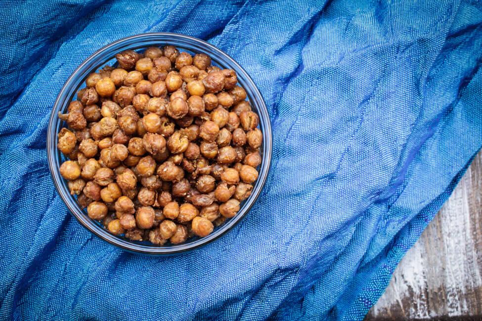 geröstete kichererbsen gesunder lowcarb snack knabbern