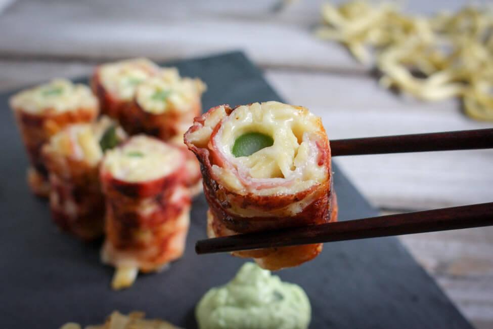 käsespätzle sushi bacon spätzlerolle mit grünem spargel schmelzzwiebeln bärlauch wasabi creme