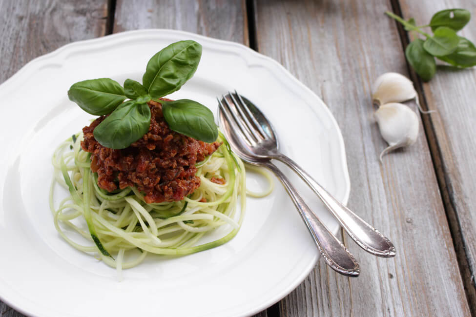 zoodles zucchini nudeln mit tofu bolognese vegetarische bolognese sauce vegane pastasauce
