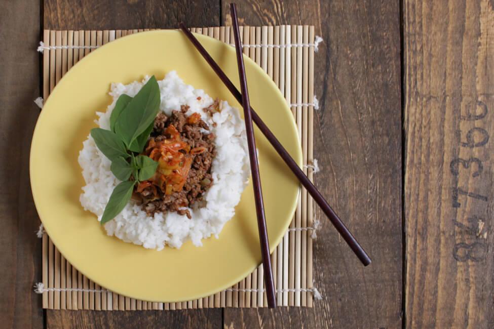 hackfleisch kimchi pfanne mit reis asia