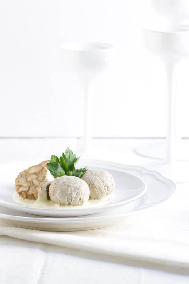 weißwurst selbst machen weißwurstbällchen merrettichsauce brezenknödel semmelknödel white dinner