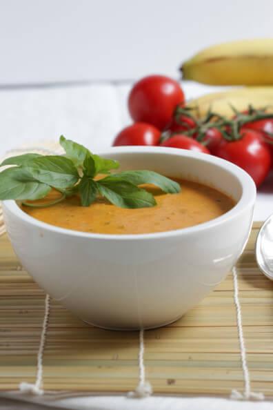 tomaten bananen suppe vegan thailändisch curry kokosmilch veggie vegetarisch schnell gesund cremig