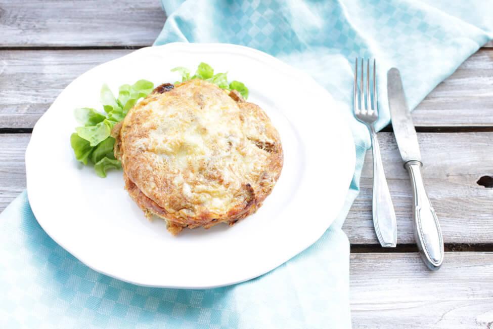 frittata mit champignons pilze italienisch salat frühstück