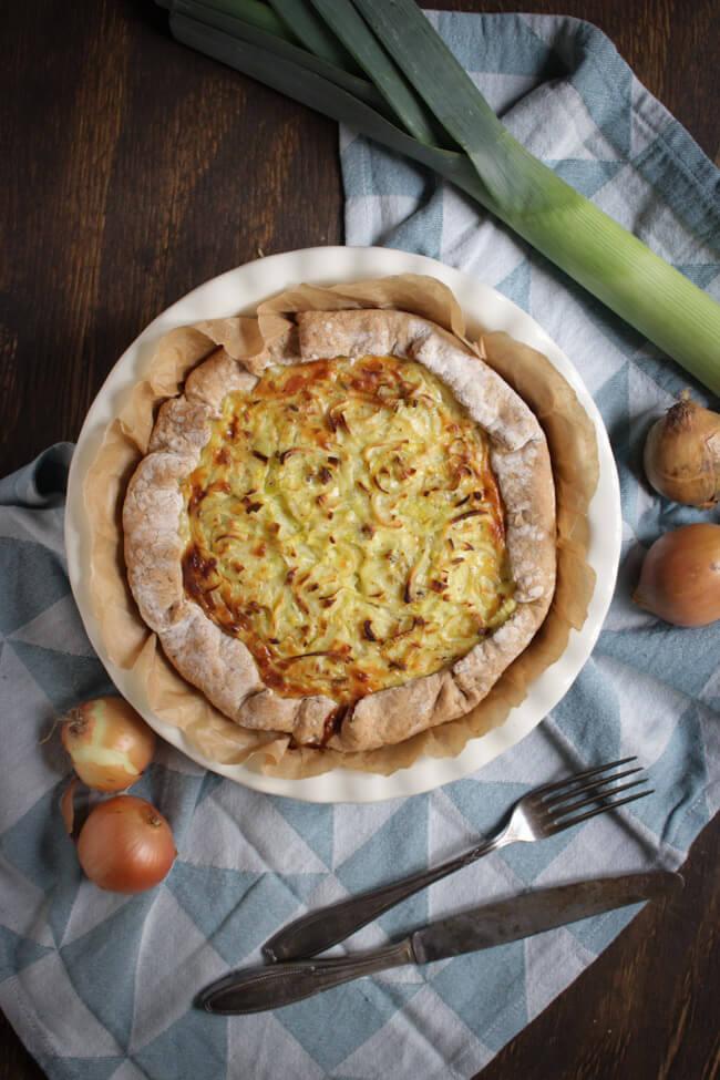 zwiebel lauch kuchen zwiebelkuchen brotteig quiche tarte vegetarisch veggie