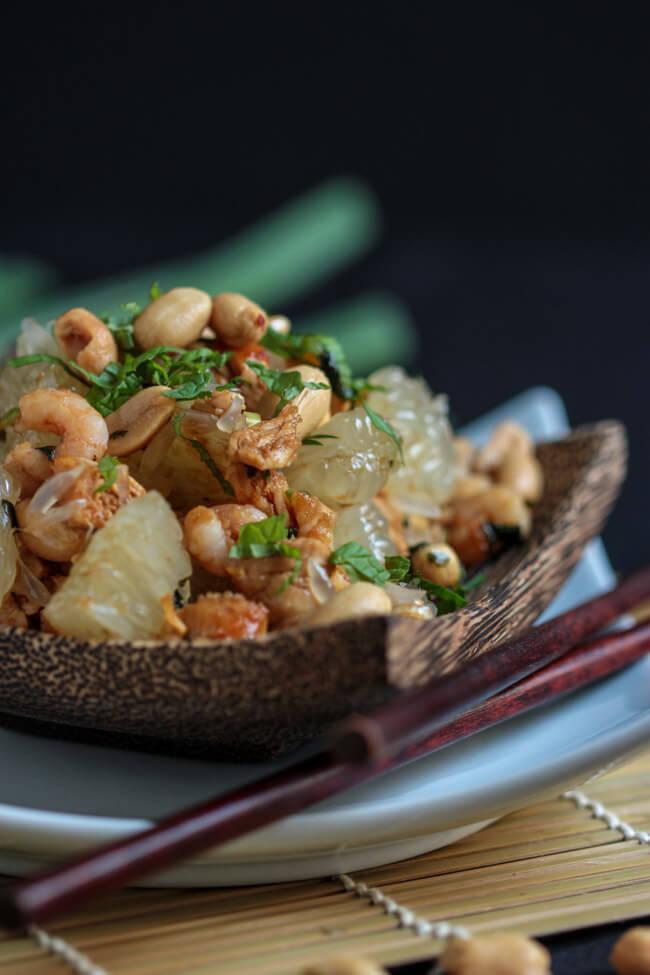 yam som o pomelo salat vietnamesisch mit krabben und hühnchen koriander salat asia