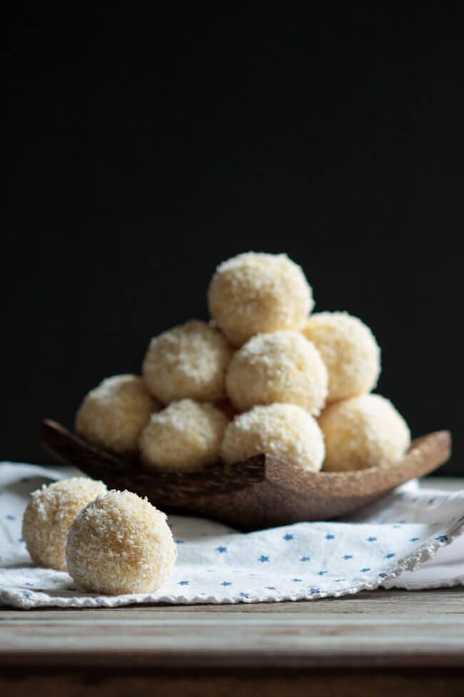 schneeballen schneebällchen kuchenbällchen cakepops kokos liquer 43 cake balls