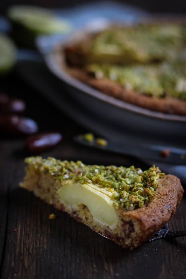 apfelkuchen mit datteln und pistazienguss orientalisch