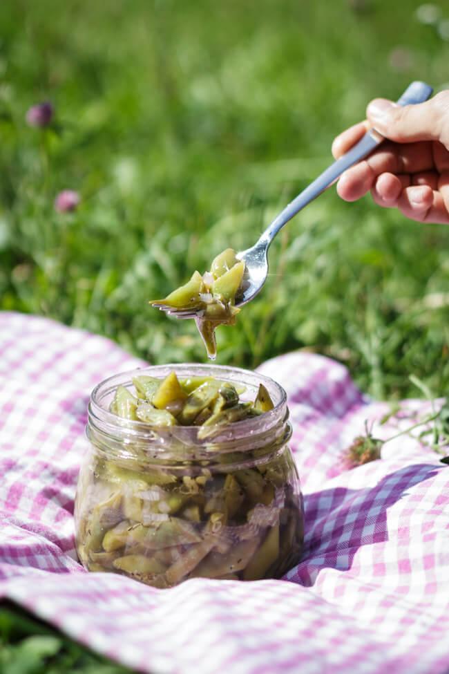 bohnensalat wie von oma bohnenkraut vegan essig öl vinaigrette