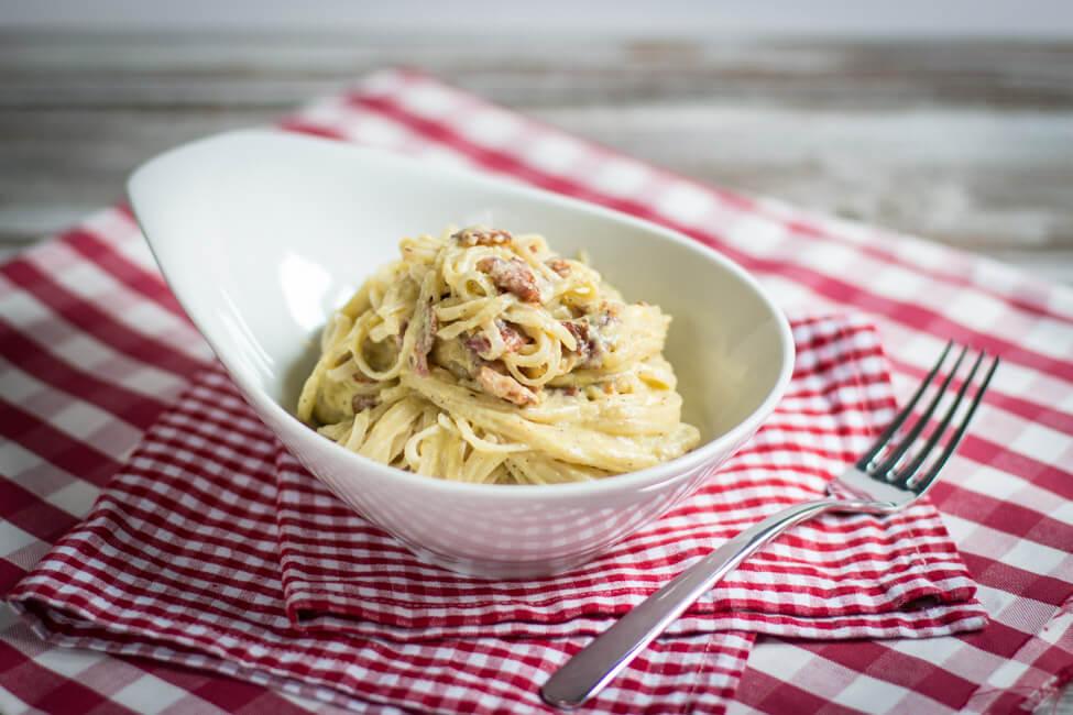 spaghetti carbonara traditionell ohne sahne original peccorino