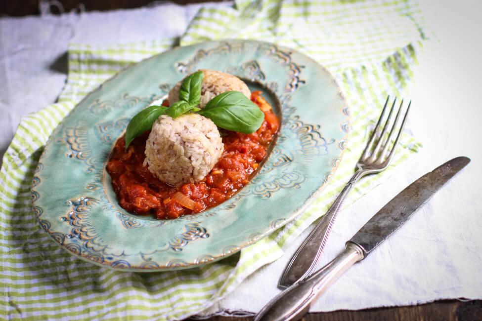 hackfleisch reisbällchen mit tomatensauce resteessen gefüllte reisbällchen fleisch