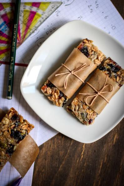 müsliriegel flap jacks cereal corny selbst machen trockenfrüchte snack unterwegs togo früchteriegel