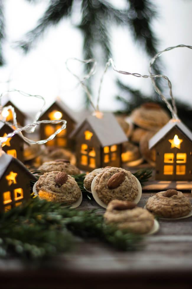 weihnachtsnplätzchen lebkuchen makronen mandeln plätzchen