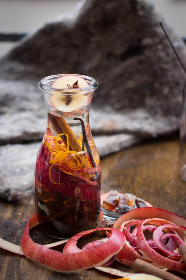Hüttenlikör likör winter bratapfel apfel kandis zimt vanille ansetzen orange