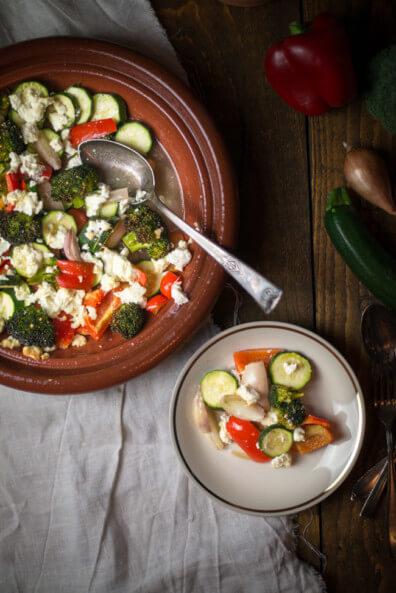 ofengemüse mit feta vegetarisch veggie zucchini brokkoli paprika zwiebeln