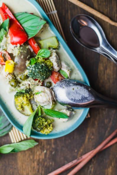 green thai curry thailändisch grünes curry paste traditionell kochen