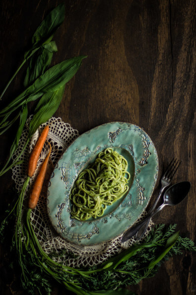 bärlauch möhren pesto möhrengrün nachhaltig nowaste pasta nudeln spaghetti