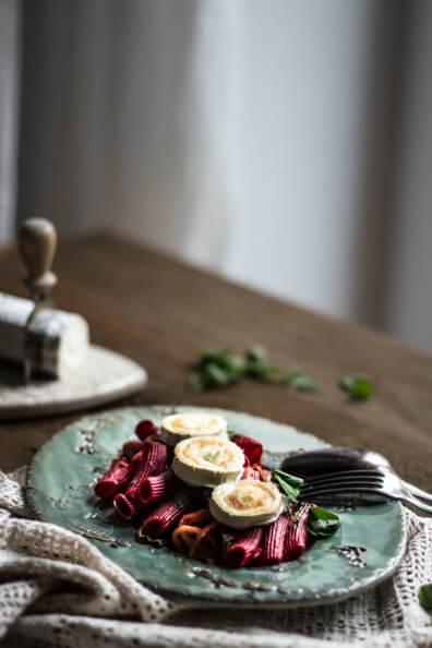 rote bete nudeln mit bärlauch und ziegenkäse pasta rigatoni