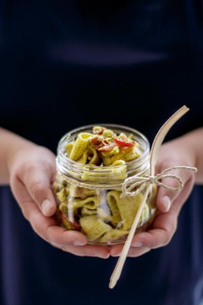 nudelsalat mit zucchini dressing vegan pasta mealprep