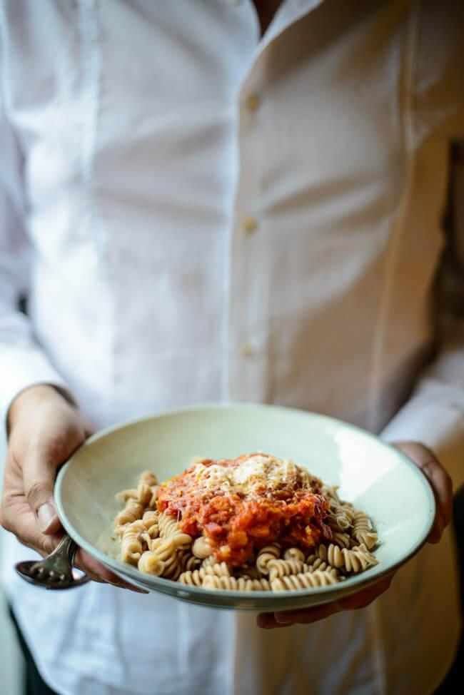 pasta all arrabiata tomatensauce scharf spirelli nudeln