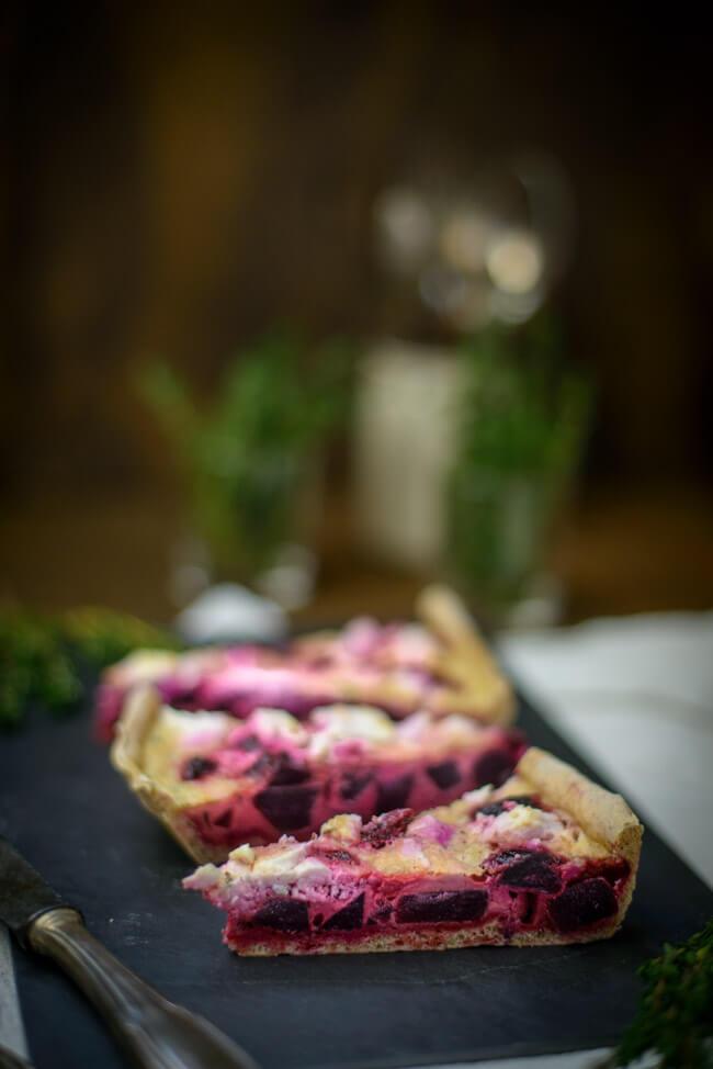 Rote Bete Quiche mit Feta Thymian Auflauf vegetarisch veggie Brotteig Tarte