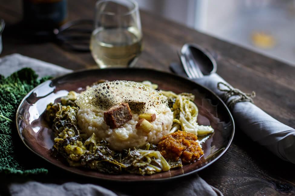 rheinhessen roulette risotto mit riesling rahm wirsing tuile bratwurst leberwurst kürbischutney