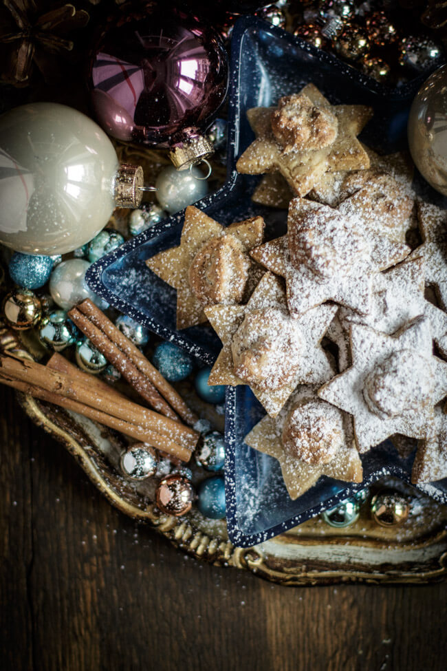 weihnachtsplätzchen dattelsterne nusssterne dattelbaiser