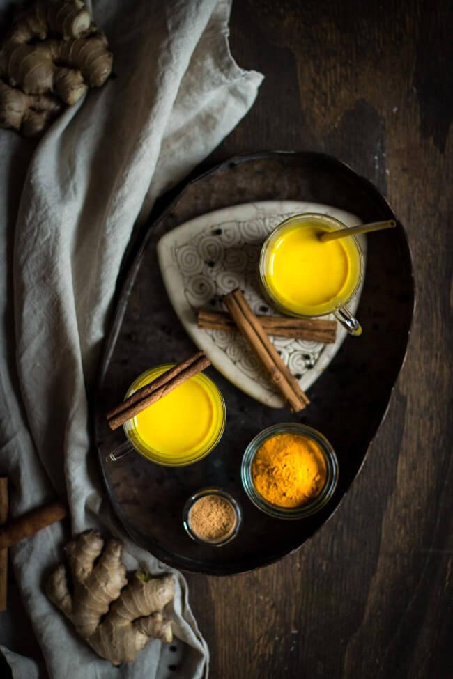 golden milk gewürzmischung kurkuma latte indisch ayurveda gesund vegan kokosmilch