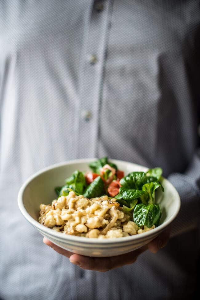Käsespätzle mit Feldsalat | LECKER&Co | Foodblog aus Nürnberg