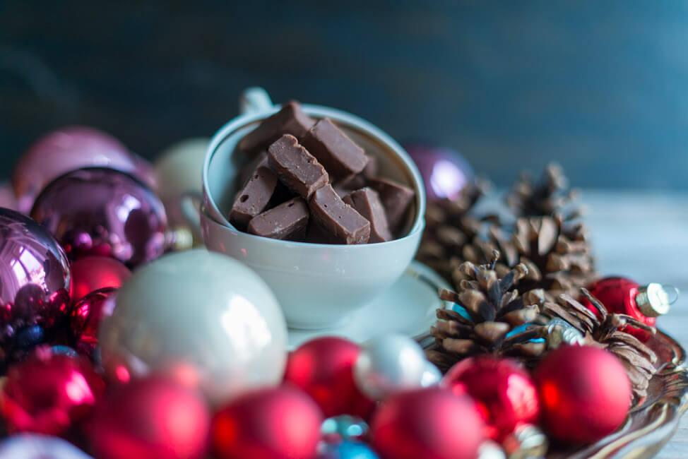 Schokoladen Fudge mit Orange Zimt Toffee Karamellbonbon Karamell Kaubonbon Nüsse Weihnachten Weihanchtsgeschenk aus der Küche statt Plätzchen WEihnachtsplätzchen