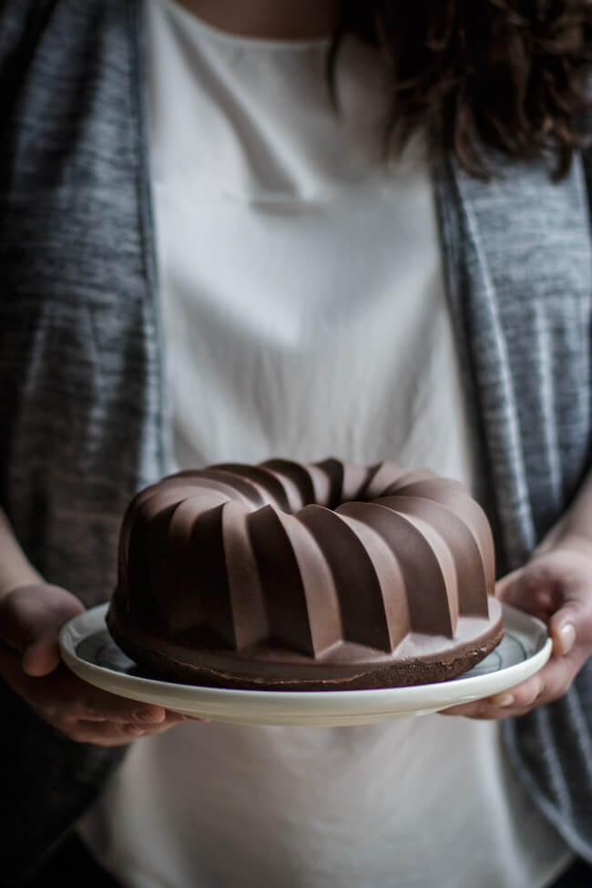 schokoladen kirsch gugelhupf glatte schokoladenglasur perfekt flawless