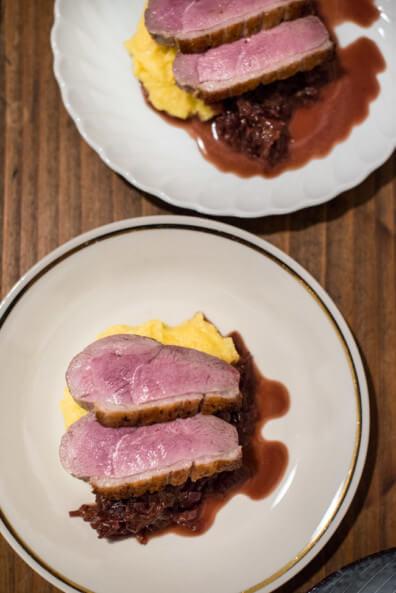 Flying Dinner Supperclub Nürnberg Tina Kollmann privat cremige polenta rotwein zwiebeln gebratene entenbrust