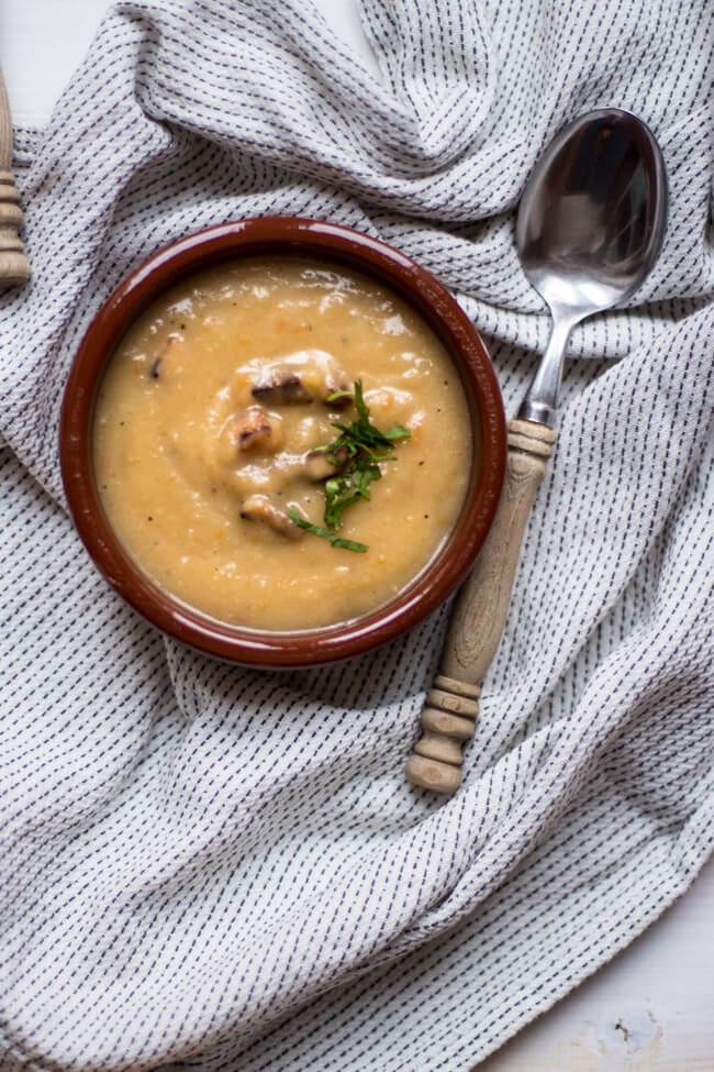 Kartoffelsuppe kartoffel croutons suppe sattmacher vegan vegetarisch veggie einfach lecker winter wärmend