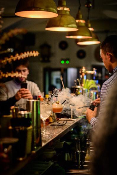 reiseblogger städtetrip städtereise barcelona spanien dux gin bar longdrinks gin cocktails