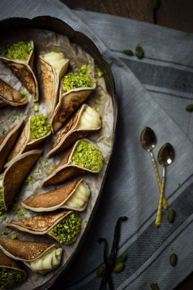Atayef   Arabische gefüllte Pfannkuchen   LECKER&Co   Foodblog aus Nürnberg