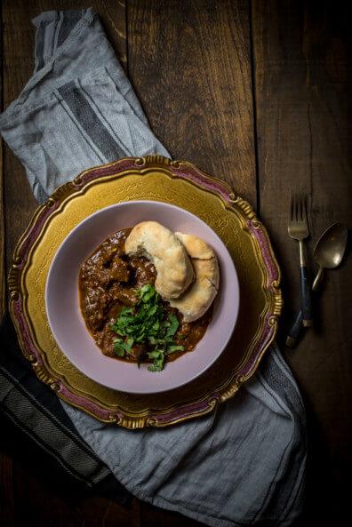 indisches lamm curry punjab koriander lamm eintopf slowfood naan brot fladenbrot nordindien