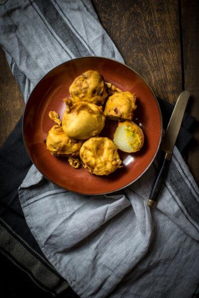 indisch punjab pakoras gebackenes Gemüse in tempura