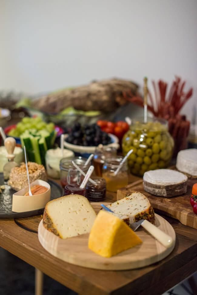 Buffett mit Käse und Gemüse