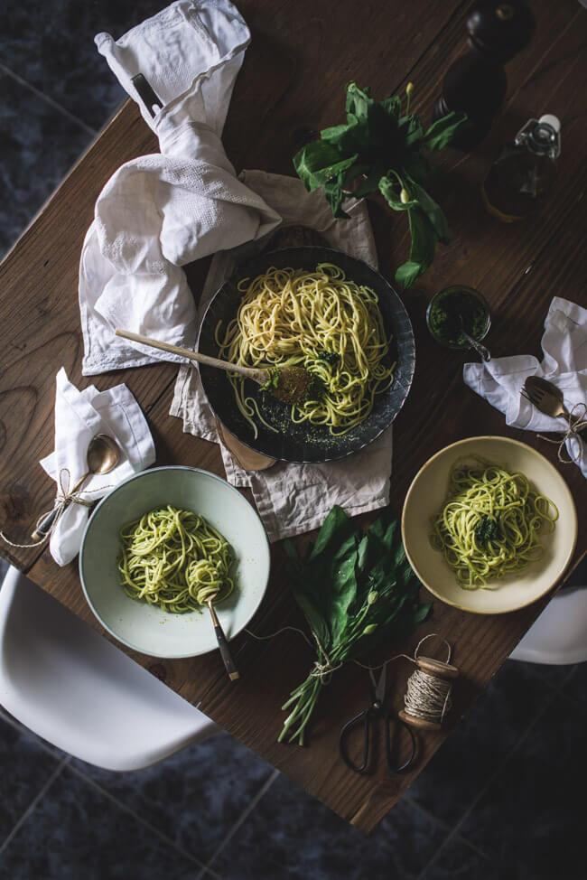 Foodfotografie und Foodstyling Pasta mit Bärlauch Pistazien Pesto