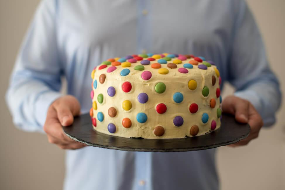 Surprise Inside Torte Zum Kindergeburtstag Lecker Co Foodblog