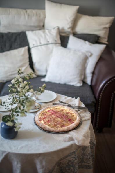 rhabarber galette tarte cheesecake quarkfüllung kuchen caketime vintage wohnzimmer