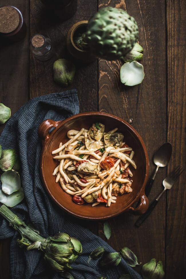 tivoli pasta artischocken tomaten vegan italienisch pinienkerne basilikum nudeln fricelli parmesan vegetarisch veggie