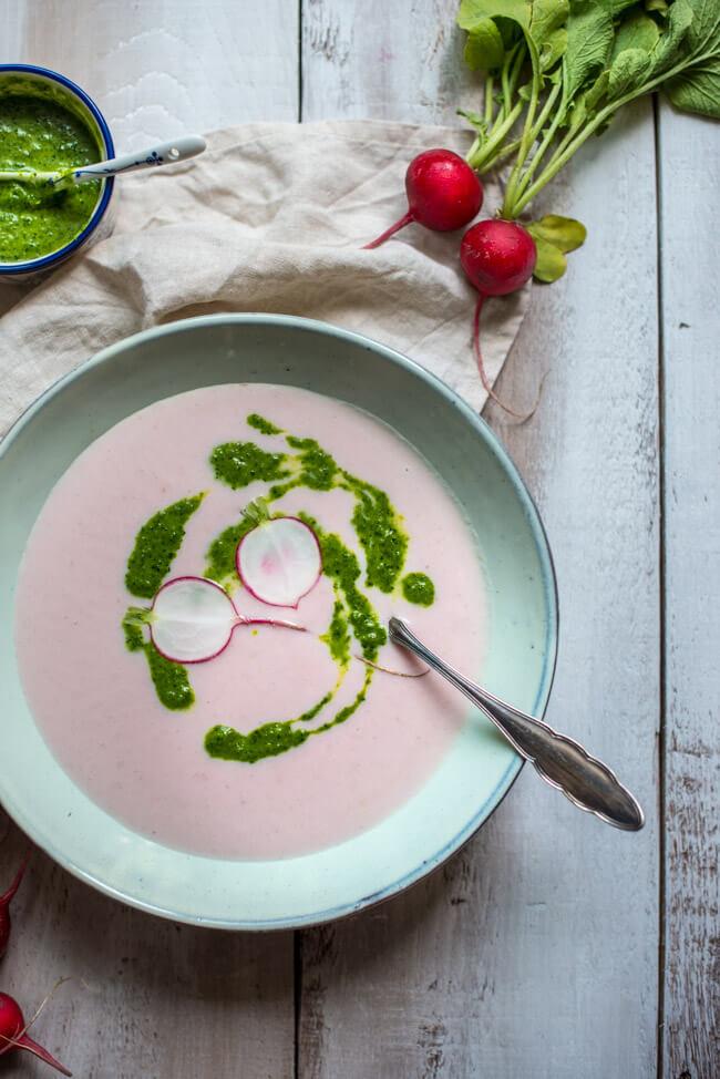 radieschen suppe radieschengrün pesto vegan veggie gesund healthy rettich rosa suppe süppchen