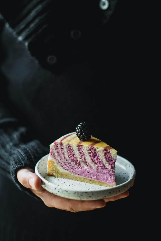 zebrakuchen käsekuchen brombeer beeren cheesecake tag des käsekuchens backen